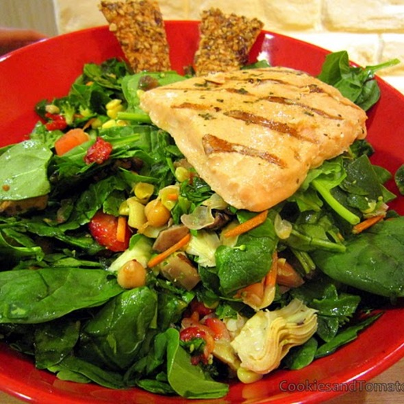 Grilled Salmon Salad @ Salad Creations