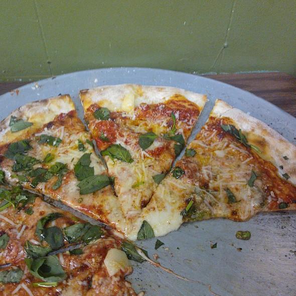 Classic Pizza @ Di Fara Pizzeria