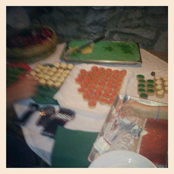 Tavolo Di Dolci