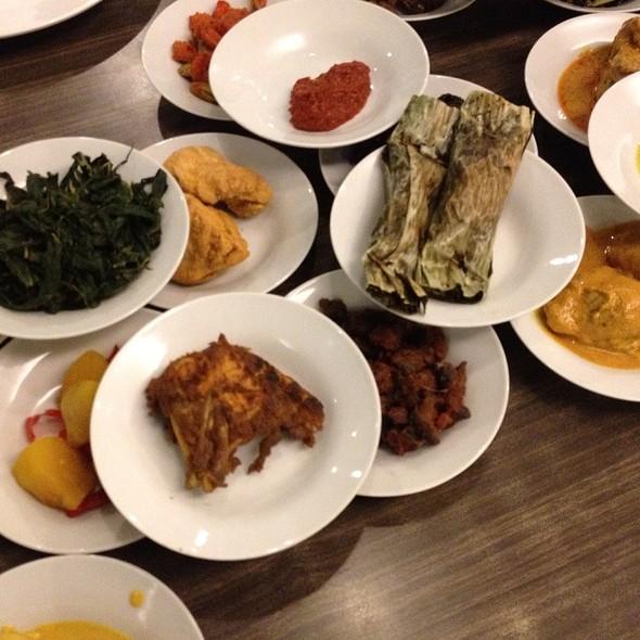 Download Lagu Goyang Nasi Padang 2: Jakarta Barat, Jakarta