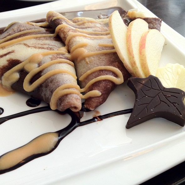 Frey Milk Chocobloc Marbled Crepe @ Maitre Chocolatier Boutique Café