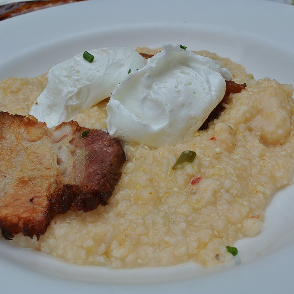 Cheddar Cheese Grits with Poached Eggs @ Tabard Inn