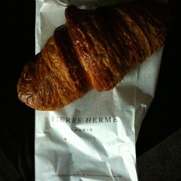 Croissant @ Pierre Hermé