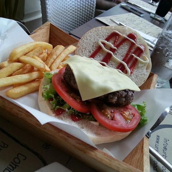 Burger @ Urban Food
