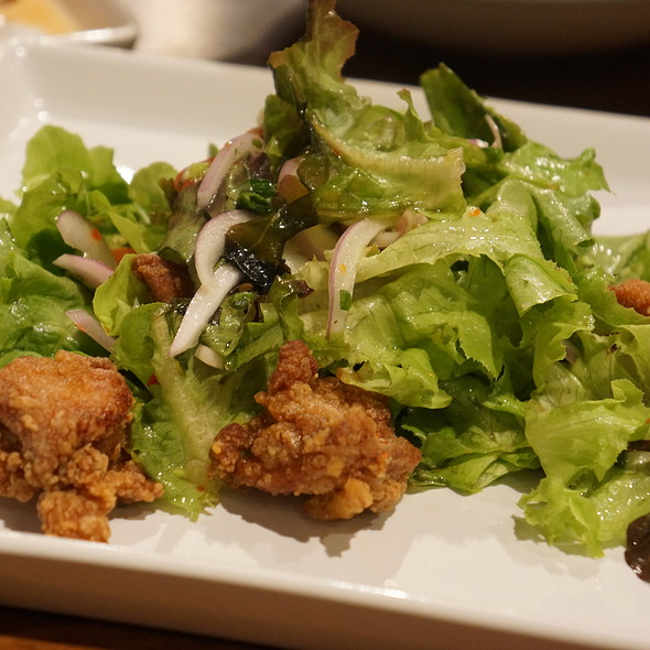 Spicy Salad With Fried Chicken @ Japan I LARB You