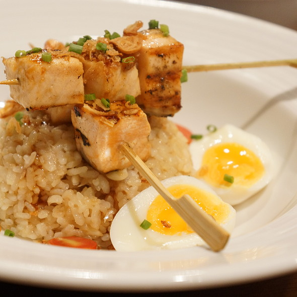 Fried Rice with Tamarind Sauce and Salmon Skewers @ Japan I LARB You