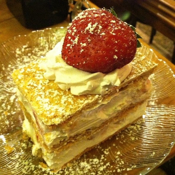 Strawberry millefoglie @ Veniero's Pasticceria & Caffe