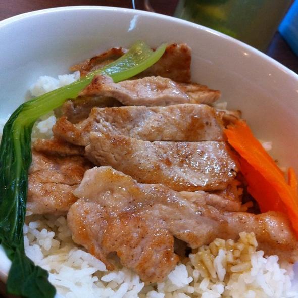 Pork Chop Rice @ Calorie Restaurant (HK Style)