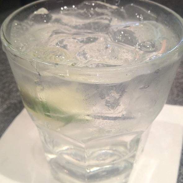 tanqueray and tonic @ Legends Sports Bar