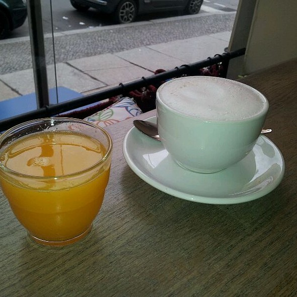 Cappucino And Orange Juice @ Café Sur