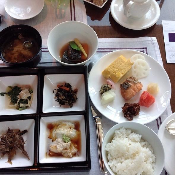 Japanese Breakfast @ Conrad Tokyo Hotel