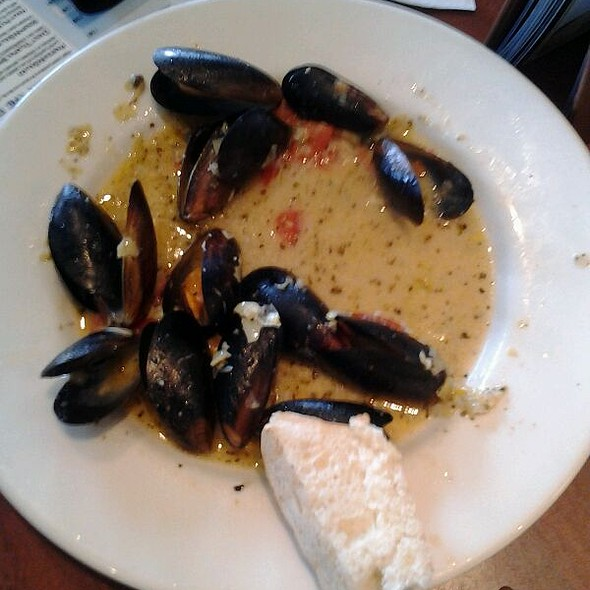 Mussels In Garlic Wine Butter @ Rockfish Seafood Grill
