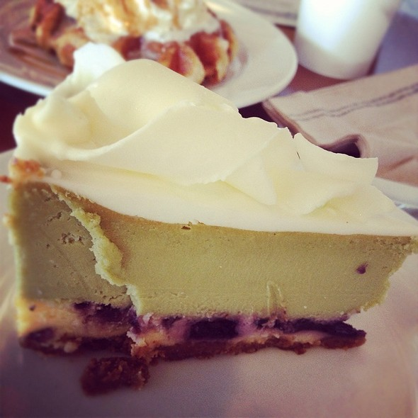 Green Tea Berry Cheesecake @ Starbucks
