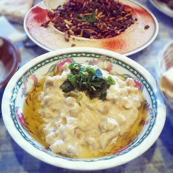 Imsabaha and Hommous with meat @ Hammoud 1