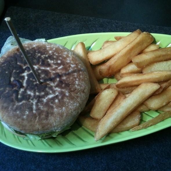 Avocado Burger @ Hans im Glück Gourmet Burger Grill