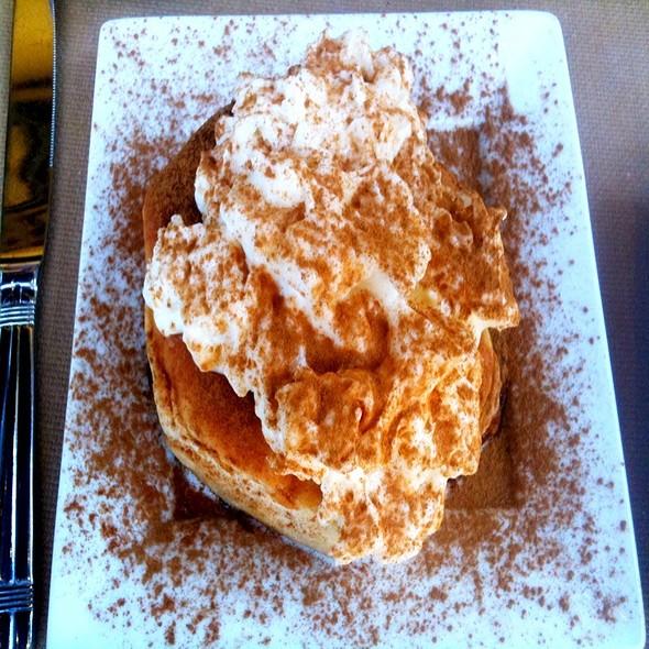 Homemade Cinnamon Roll @ R Gang Eatery