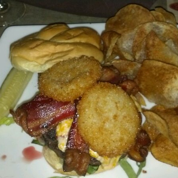 Mastering Augusta Burger - Ground Beef With Fried Green Tomatoes, Homemade Pimento Cheese & 3 Slices Of Bacon @ Draft