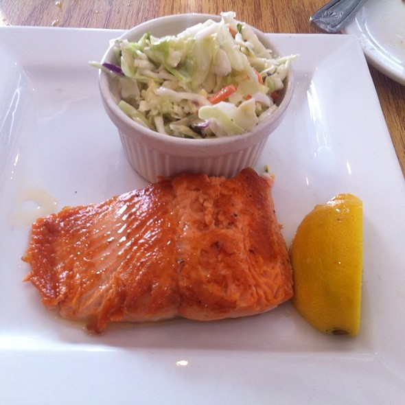 Copper River King Salmon @ Rex's Seafood Market