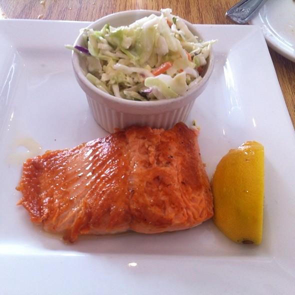 Copper River King Salmon @ Rex's Seafood Market