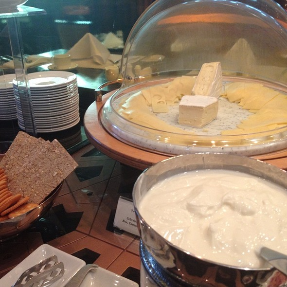 Cheese @ Lebua Hotel at State Tower   โรงแรมเลอบัว แอท สเตททาวเวอร์