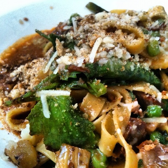 Housemade Fettucini With Oxtail, Lambsquarters, Peas, Fennel, Chili Flakes @ Serpentine