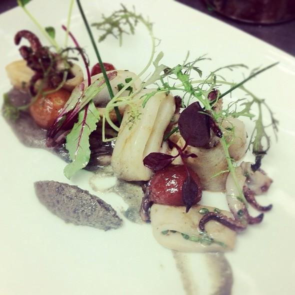 Calmars Grilles, Puree D'aubergine, Tomates Confites @ Bouillon Bilk