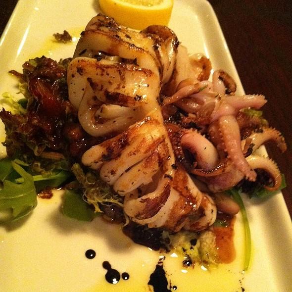 Grilled Calamari @ Canard Morte