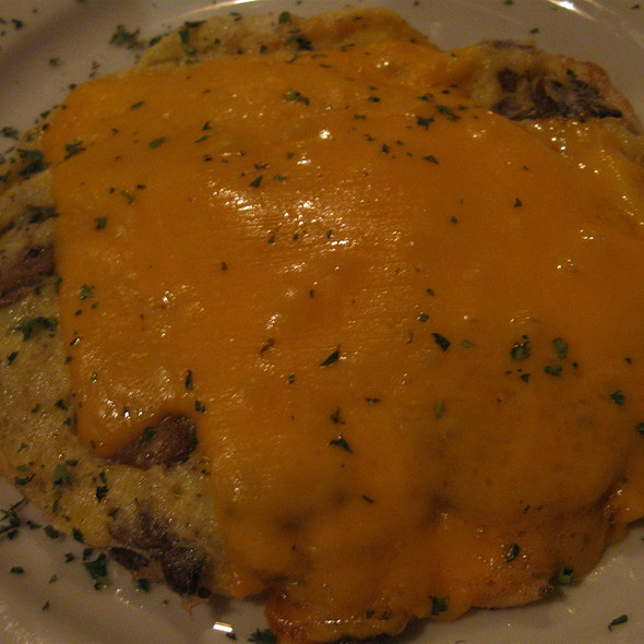 Omelette With Mushrooms And Cheddar @ Galway Hooker