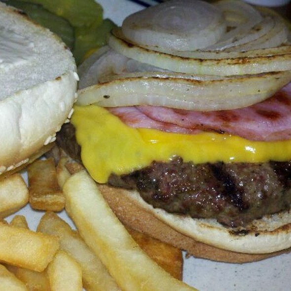 Grey Fox Burger @ Outlaws Bar and Grill
