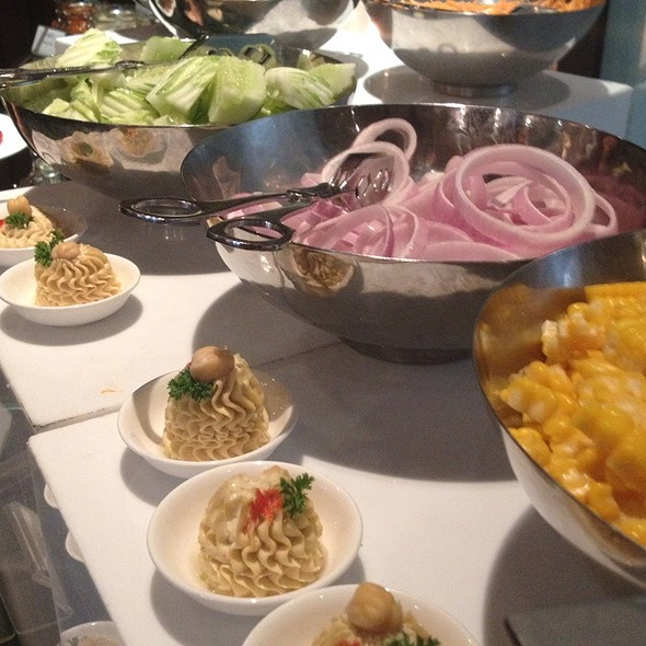 Salad @ Lebua Hotel at State Tower | โรงแรมเลอบัว แอท สเตททาวเวอร์
