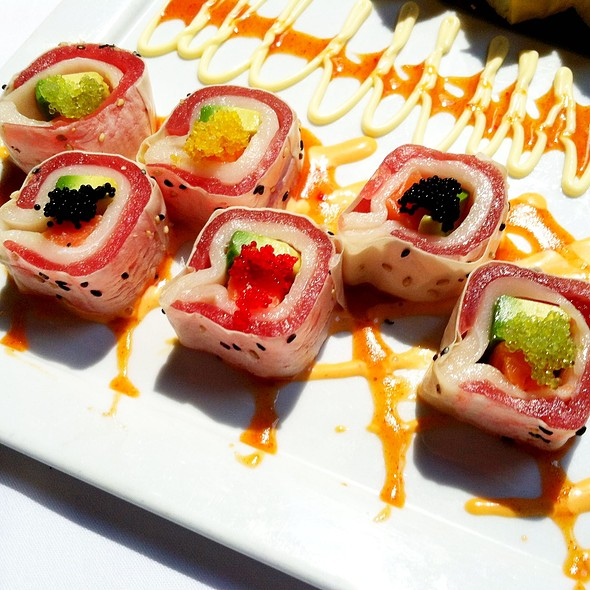 Kaleidoscope Roll @ China Grill