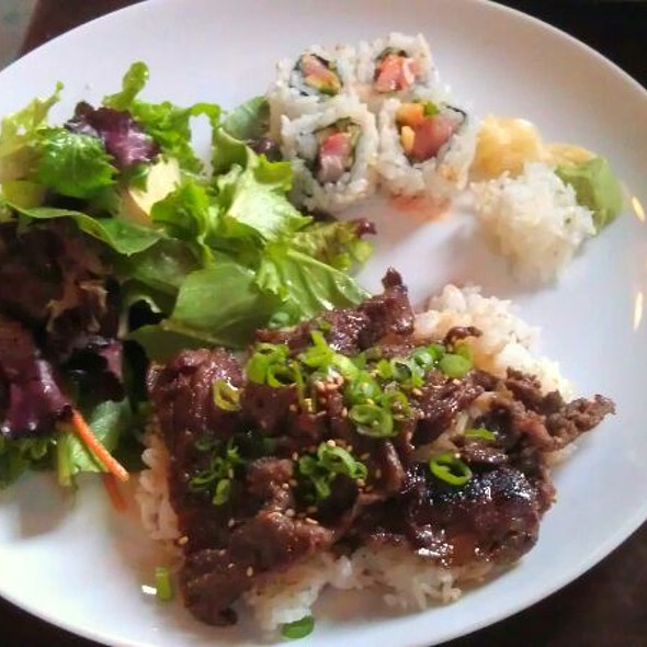 BBQ Ribeye Over Rice W/mixed Greens And  Spicy Yellow Tail Roll