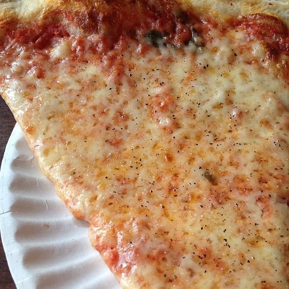 Plain Cheese Pizza @ Fran's Pub