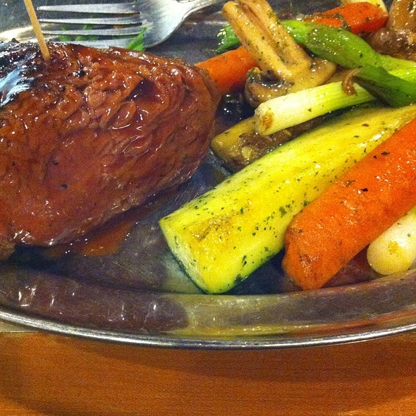 Tri-Tip Medium Rare With Veggies On The Side @ Rattlers Bar B Que