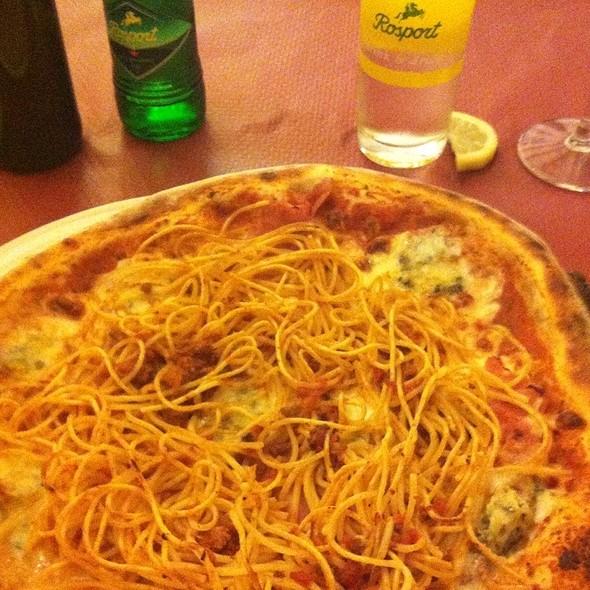 Pizza @ Restaurant La Torre Sàrl