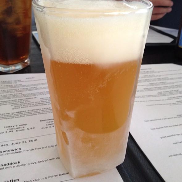 Blue Moon Beer @ Fish Bones