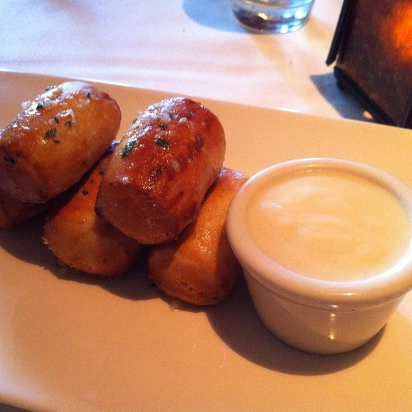 Pretzel Bites With Cheese Sauce @ Absinthe Brasserie & Bar