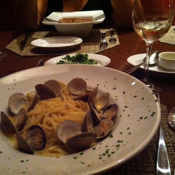 Linguini with Clams - Sorrisi, Coconut Creek, FL