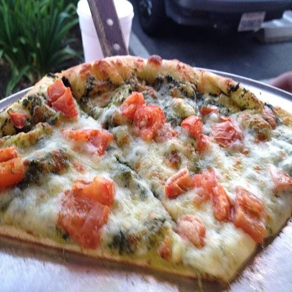 Pesto - Fratelli's Ristorante Italiano & Pizzeria, Montrose, CA