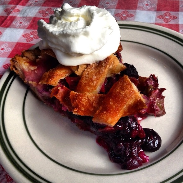 Rhubarb And Blueberry Pie @ Pies-N-Thighs