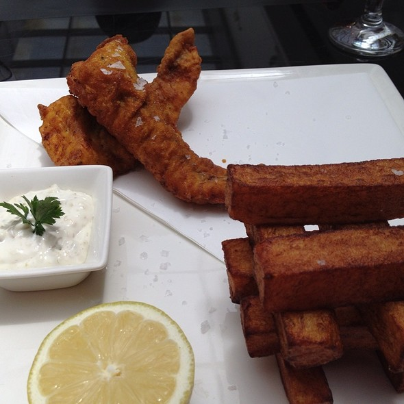 Fish and Chips @ Shakespeare & Co. شكسبير أند كو