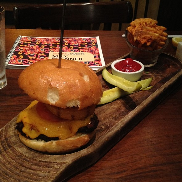 The Brenner Burger @ Max Brenners Chocolate