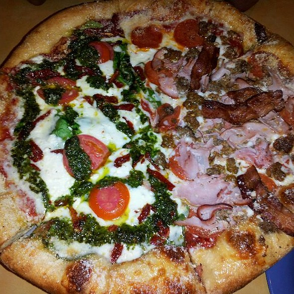 Pizza @ Mellow Mushroom