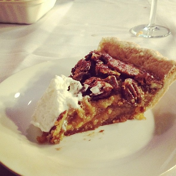 for @yourpal_big_al #pecan #pie #kentucky #dinner  #toronto  my last major supper in toronto. sort of!