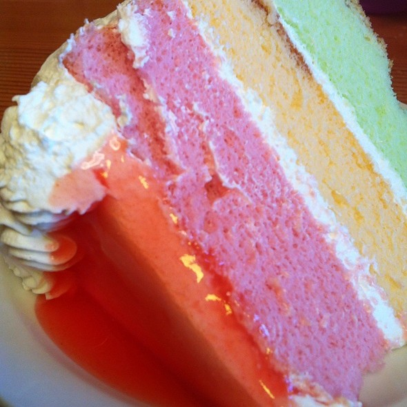 Paradise Cake @ King's Hawaiian Bakery & Restaurant
