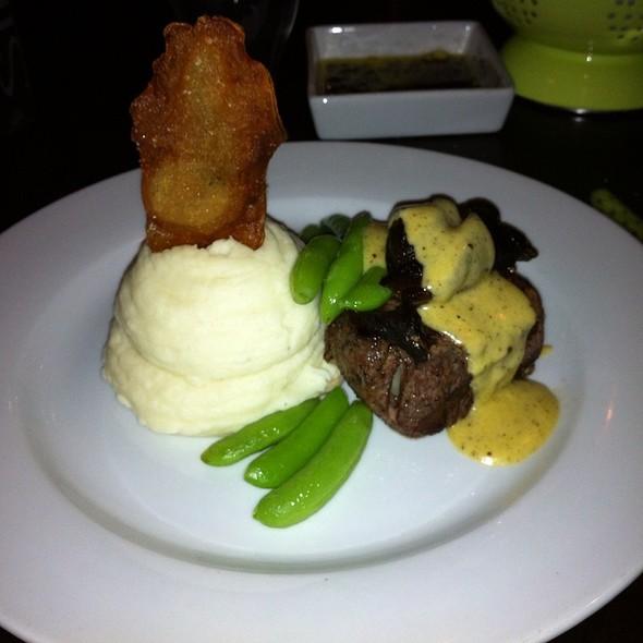 Beef Tenderloin With Pepper Hollandaise @ Evoo Restaurant