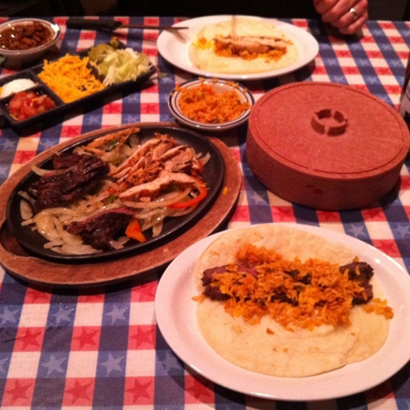 Fijita  Combo @ Lone Star Texas Grill