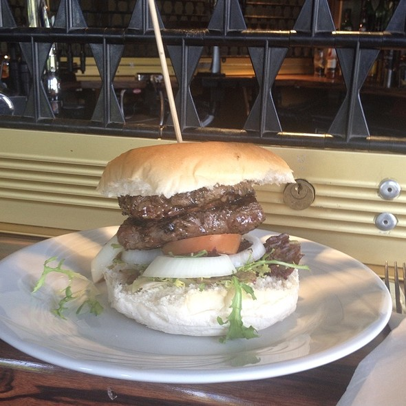 Sirloin Steak Burger @ Mid Yorkshire Golf Club