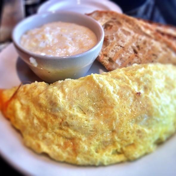 Vegetarian Three Egg Omelet - Corner Cafe - Priority Seating, Atlanta, GA