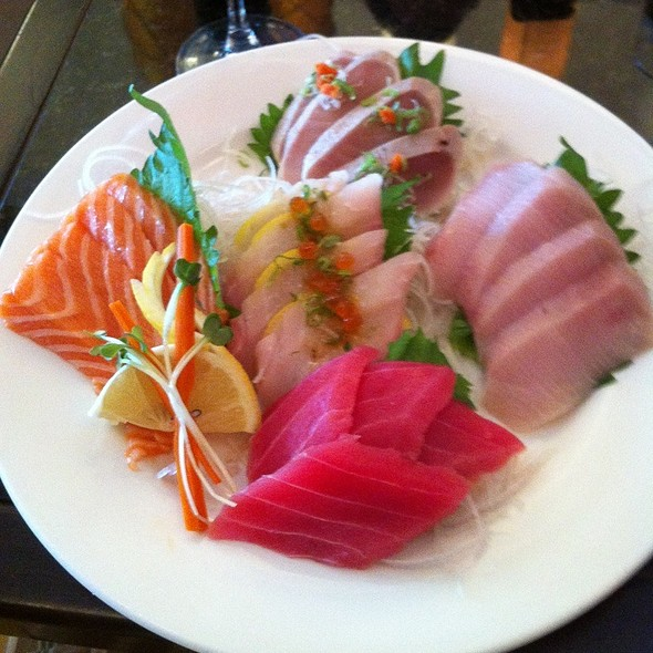 Sashimi Combo - Chef's Choice @ Bai Plu Restaurant & Sushi Bar